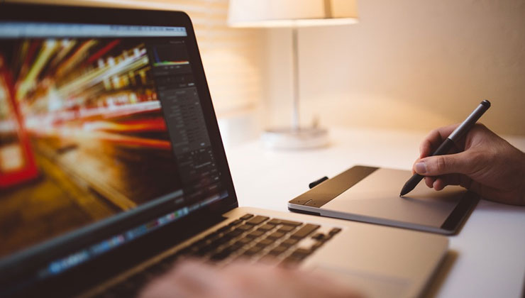 Webデザイナーってどんな仕事?未経験でWebデザイナーになるスキルと勉強方法あれこれ