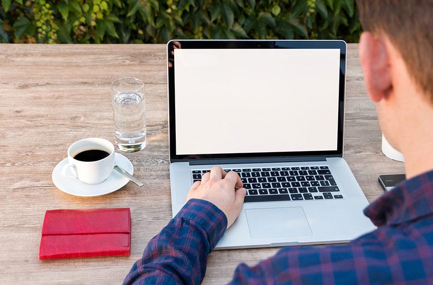 Web制作作業以外も業務が発生する